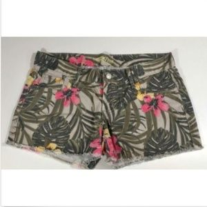 Green Tropical Floral Print Frayed Jean Shorts